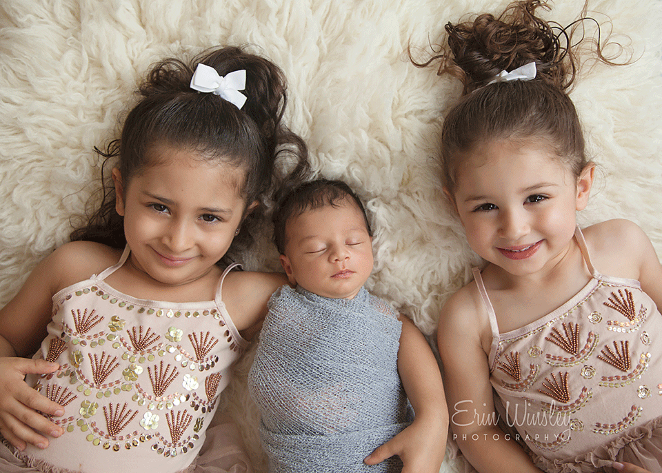 Newborn-Photography-Southern-Gold-Coast-baby-with-older-sisters
